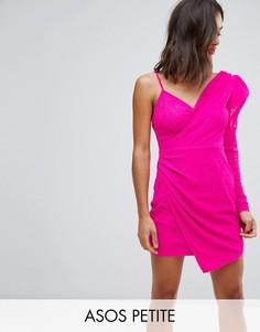 Кружевное платье мини на одно плечо с подплечниками ASOS PETITE - Розовый