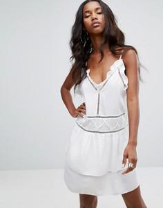 Платье А-силуэта с оборками PrettyLittleThing - Белый