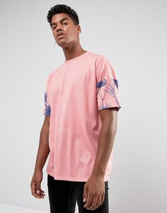 Розовая футболка оверсайз с пальмовым принтом на рукавах ASOS - Розовый