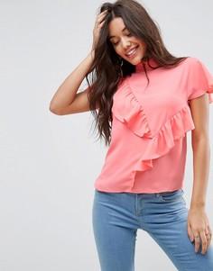 Блузка с высоким воротом и оборками ASOS - Розовый