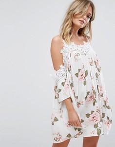 Свободное платье с цветочным принтом и отделкой кроше New Look - Мульти