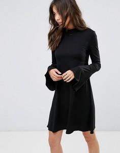 Свободное платье с расклешенными рукавами Only - Черный