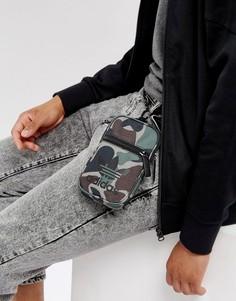 Камуфляжная сумка для авиапутешествий adidas Originals BQ6077 - Зеленый