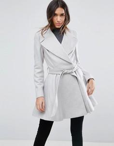 Приталенное пальто с большим воротником и поясом ASOS - Серый