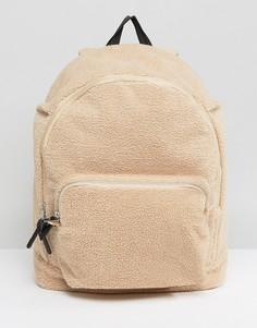 Рюкзак из искусственной цигейки ASOS - Кремовый