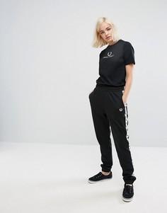 Спортивные брюки с контрастной отделкой Fred Perry - Черный