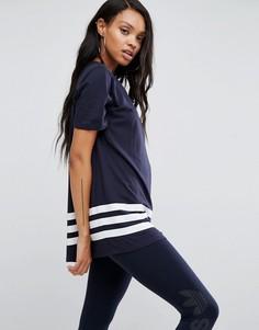 Свободная футболка Adidas - Темно-синий