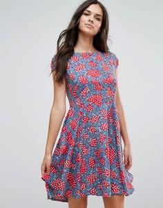 Приталенное платье со свободной юбкой и принтом Anmol - Красный