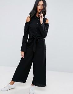 Комбинезон с отделкой в стиле рубашки, поясом и открытыми плечами ASOS - Черный
