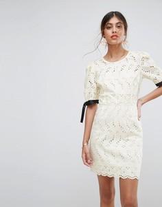 Платье мини с вышивкой ришелье ASOS - Кремовый