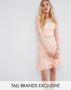 Короткое приталенное кружевное платье True Decadence Tall - Розовый