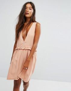 Короткое приталенное платье из шамбре с оборкой Noisy May - Синий