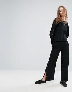 Свободные брюки с кнопками Monki - Черный