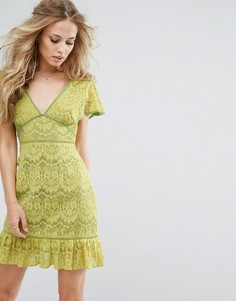 Кружевное платье с глубоким вырезом Foxiedox - Желтый