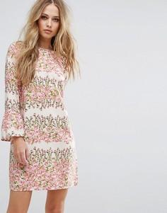 Свободное платье с цветочным принтом Vero Moda - Розовый
