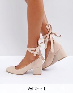 Туфли для широкой стопы на среднем каблуке с завязками London Rebel - Бежевый