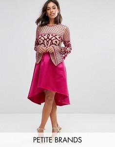 Платье миди с декорированным верхом и асимметричной юбкой Maya Petite - Розовый