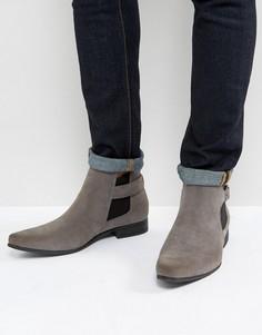 Серые ботинки челси из искусственной замши с ремешком ASOS - Серый