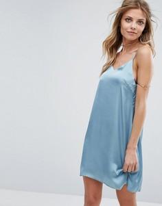 Атласное платье на бретельках Glamorous - Синий