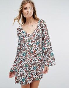 Платье с цветочным принтом Glamorous - Синий