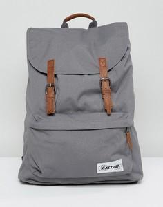 Серый рюкзак с контрастными светло-коричневыми ремешками Eastpak London - Серый