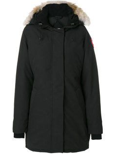 пальто с отделкой мехом на капюшоне  Canada Goose