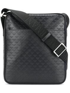 сумка-почтальонка с тисненым логотипом Emporio Armani