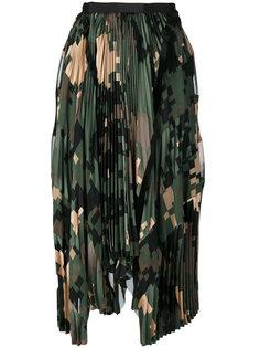 плиссированная камуфляжная юбка Sacai