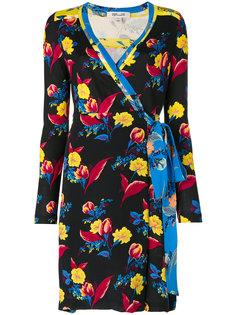 платье с запахом и цветочным принтом Diane Von Furstenberg