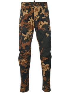 узкие брюки с камуфляжным принтом Dsquared2