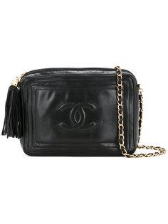 сумка на плечо с кисточкой и логотипом Chanel Vintage