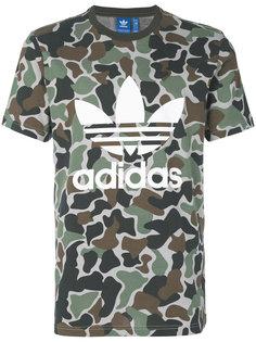 футболка Trefoil с камуфляжным принтом Adidas Originals