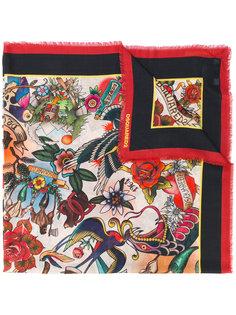 шарф с рисунком в стиле татуировок Dsquared2
