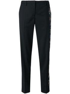 брюки строгого кроя с цветочной вышивкой Nº21