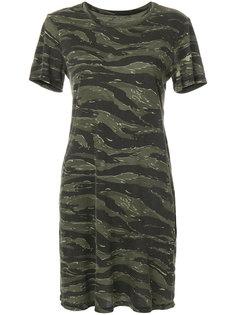 платье с короткими рукавами и камуфляжным принтом  Current/Elliott