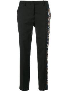 брюки с цветочной вышивкой сбоку Nº21