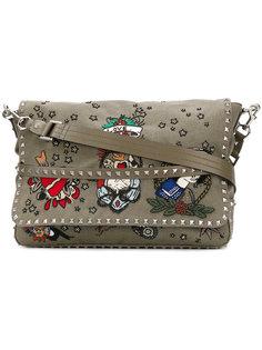 сумка-почтальонка с нашивками Valentino Garavani Valentino