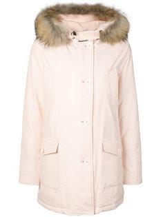 пальто с капюшоном и меховой отделкой  Woolrich