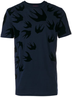 футболка со сплошным принтом ласточек McQ Alexander McQueen