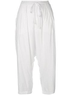 укороченные брюки с заниженной проймой Lost & Found Rooms