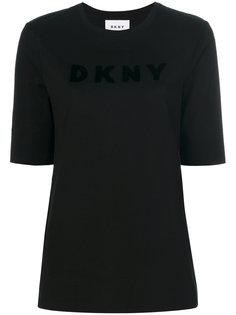 футболка с логотипом  DKNY