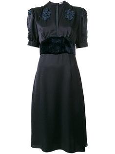 платье с V-образным вырезом  Tomas Maier