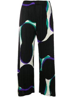 укороченные брюки с абстрактным принтом  Pleats Please By Issey Miyake
