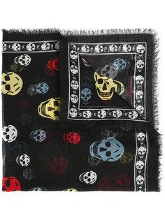 шарф в разноцветные черепа Alexander McQueen