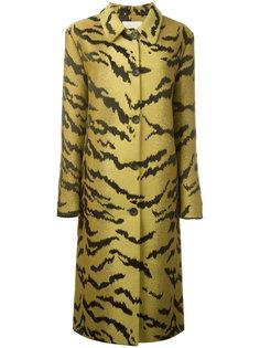 пальто с жаккардовым узором под тигра Christopher Kane