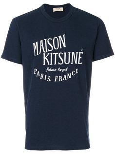 футболка с нашивкой логотипа Maison Kitsuné
