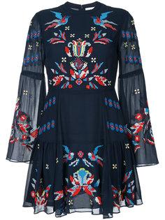 платье с вышивкой крестиком Izzy Tanya Taylor
