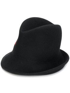 высокая шляпа Isabel Benenato