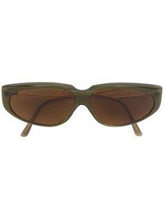 slim winged oval sunglasses Moschino Vintage