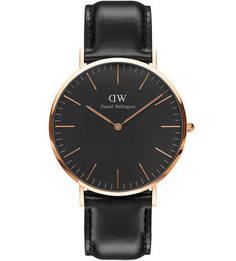 Часы с черным округлым циферблатом Daniel Wellington